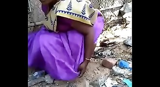 Desi gf aunty urinate capture